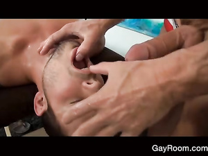 Twink undresses and oils up his boyfriend before fucking his ass