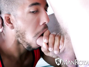 Black twink sucks white gay's dick and gets fucked by him